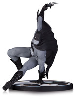 Batman Black & White - Batman by Bryan Hitch