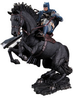 Batman The Dark Knight Returns Statue A Call To Arms 37 cm