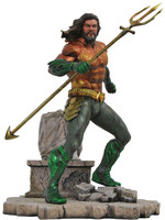DC Movie Gallery - Aquaman Statue