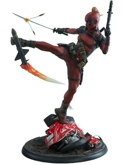 Marvel - Lady Deadpool Premium Format Figure - 56 cm