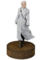 Game of Thrones - Daenerys Targaryen statue (White Fur)