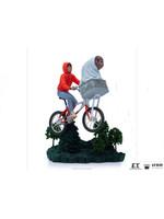 E.T. the Extra Terrestrial - E.T. & Elliot Art Scale Statue