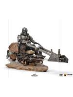 Star Wars The Mandalorian - Mandalorian on Speederbike Deluxe Art Scale